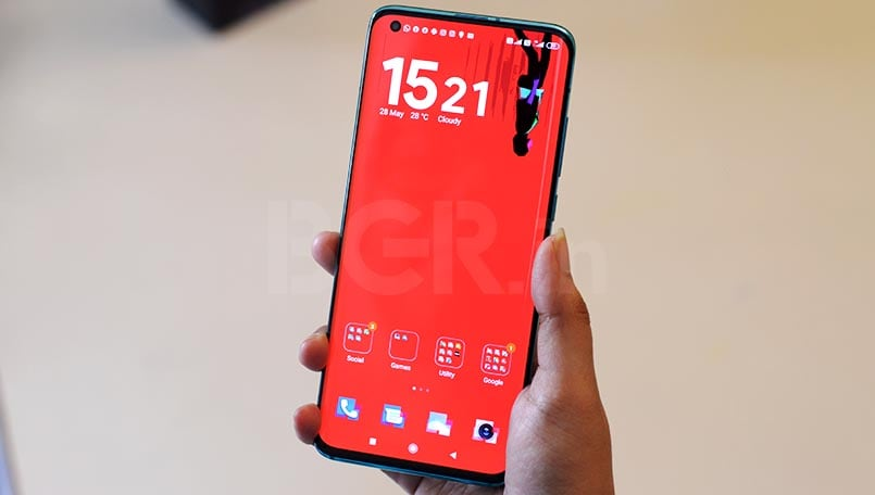 Smartphones with curved display that are launched in 2020