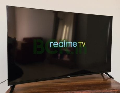 Realme TV to go on sale today at 12PM: Price in India, offers