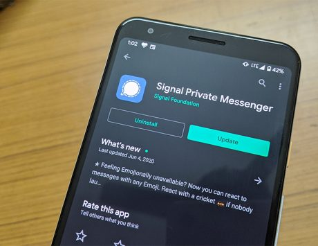 Signal adds photo blur tool for privacy of users