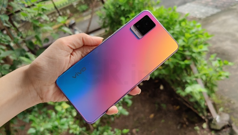 Vivo V20 Review: Best selfie camera phone with stunning design
