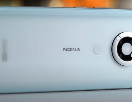 Nokia N95 prototype with slider loudspeaker, front cameras revealed