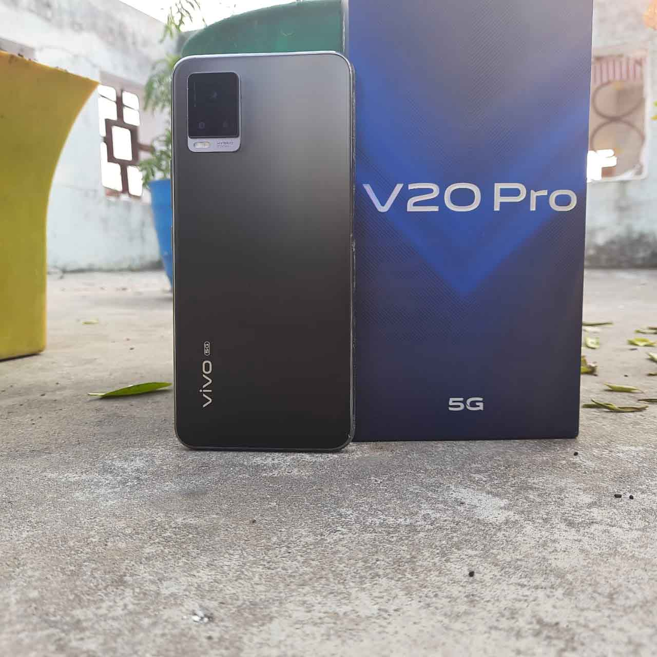 Vivo V20 Pro vs Samsung Galaxy F41 - Specifications Compared, Price in India, and Features