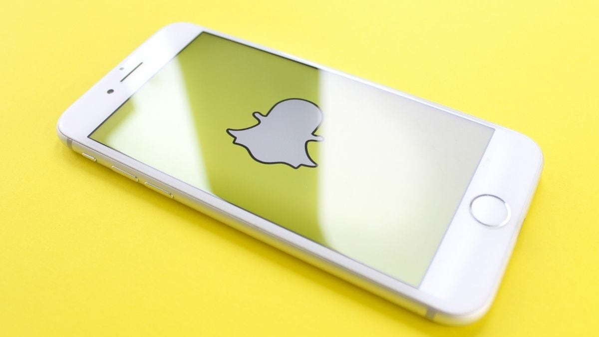 Snapchat for iOS finally supports dark mode: How to enable?