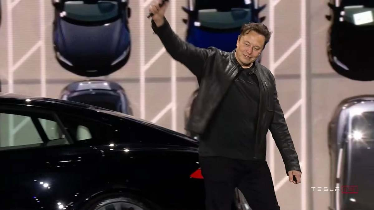 Elon Musk electric car company Tesla hits 1 trillion dollar marker for the first time